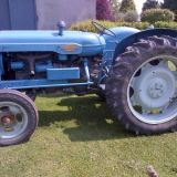 Trattore d'epoca Fordson major Power 563e