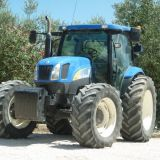 Trattore New holland  Ts135a