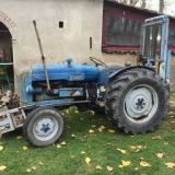Trattore d'epoca Fordson major Con muletto