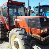Trattore New holland  F100