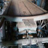 Rimorchio di legno  Due assi con attacco per buoi