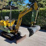 Mini escavatore  pc15r-8 komatsu