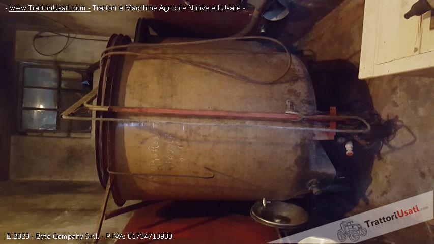 Foto Annuncio 2 cisterne  - vetroresina