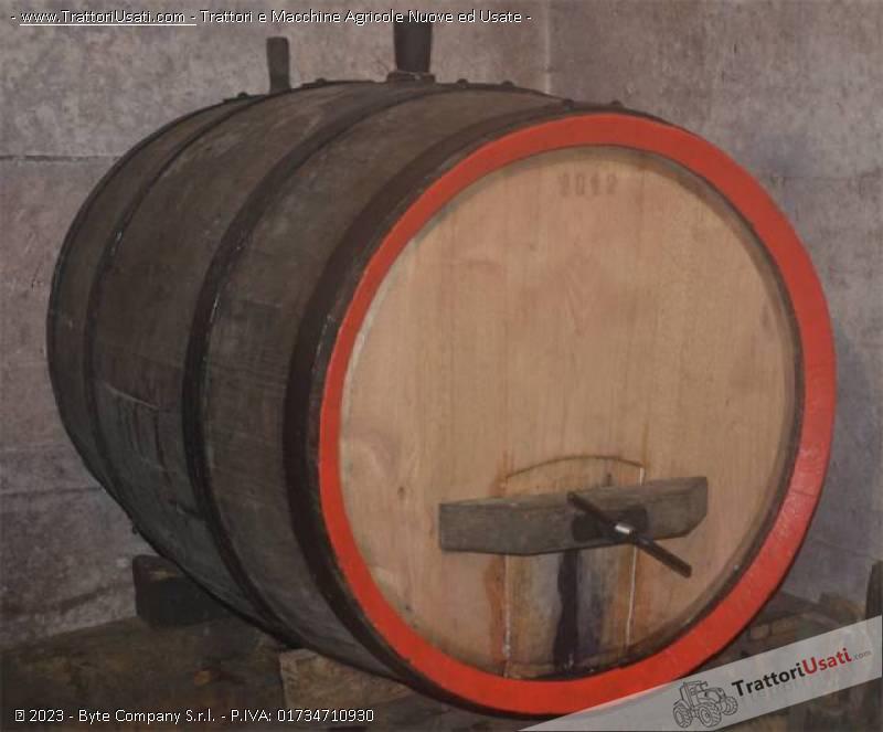 Botte  - in castagno 300 litri 0