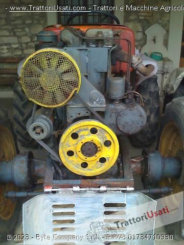 Trattore d'epoca meroni eron - 3 cilindri 8