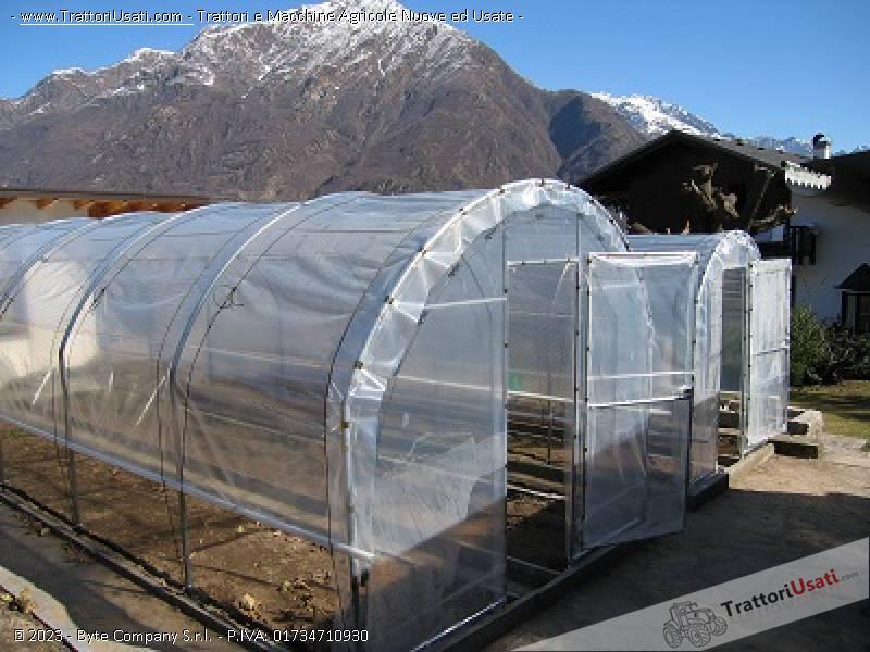 Serre tunnel coperture antigrandine for Serre agricole usate in vendita