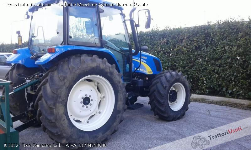 Trattore New holland T5050