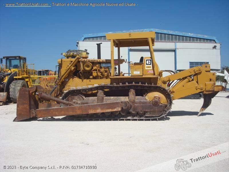 Bulldozer  - d9g caterpillar 0