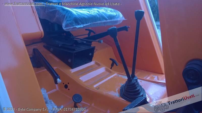 Trattore fiat - 880 dt-4 2