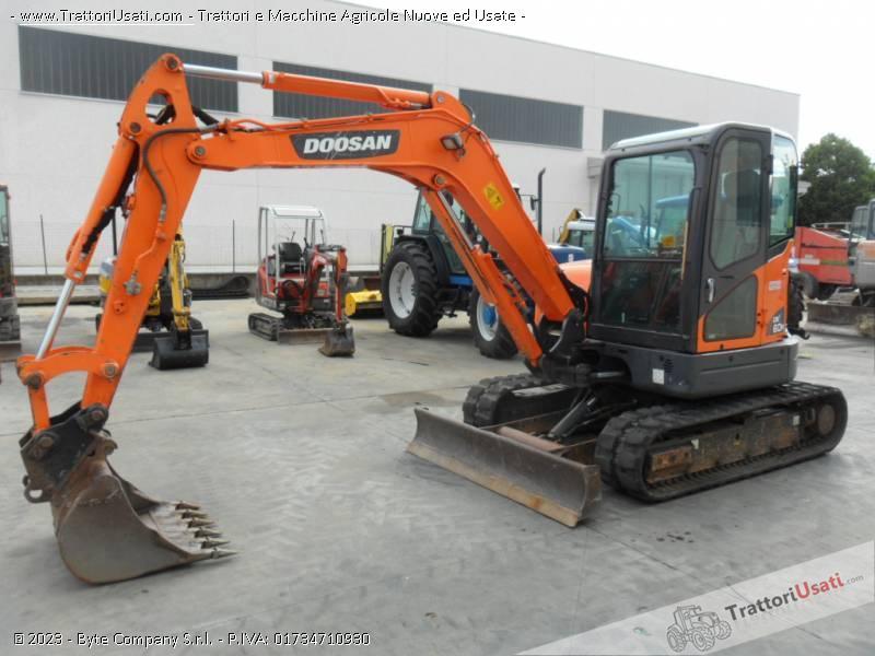 Escavatore  - dx60 doosan 0