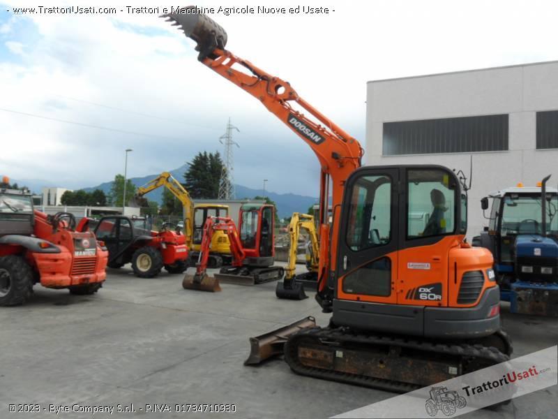 Escavatore  - dx60 doosan 1