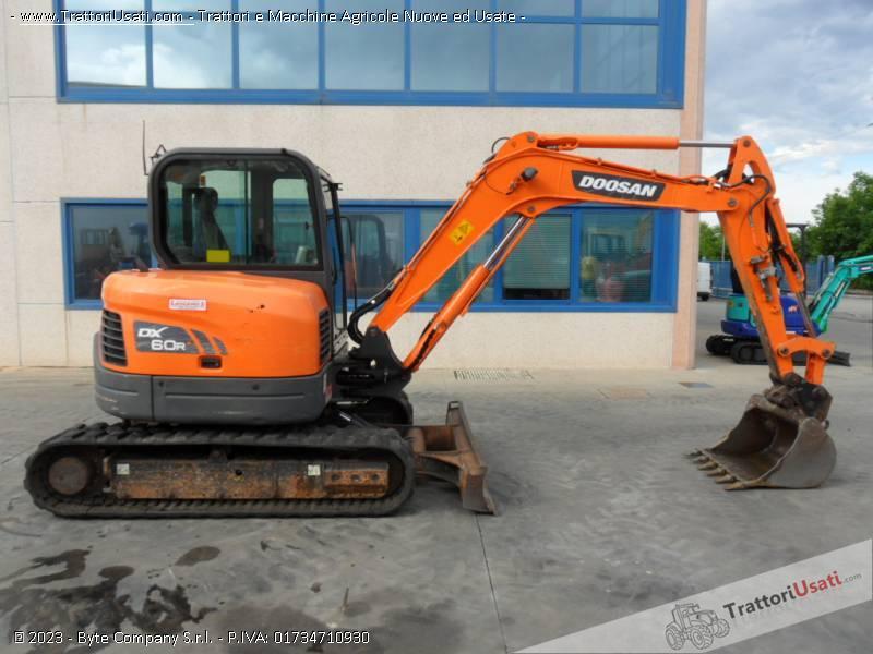 Escavatore  - dx60 doosan 5