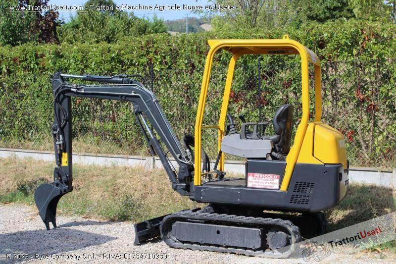 Mini escavatore volvo - ec15 usato 3