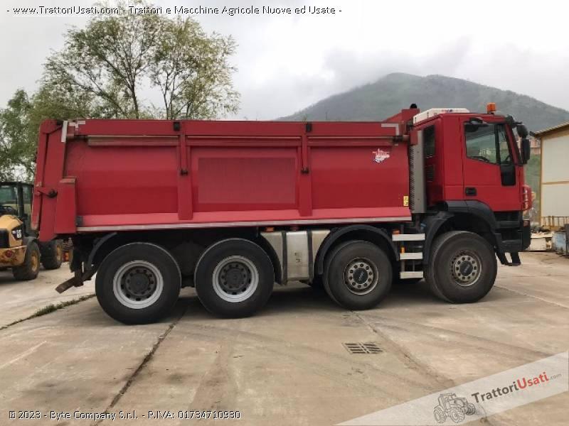 Iveco  - trakker 390t45 1