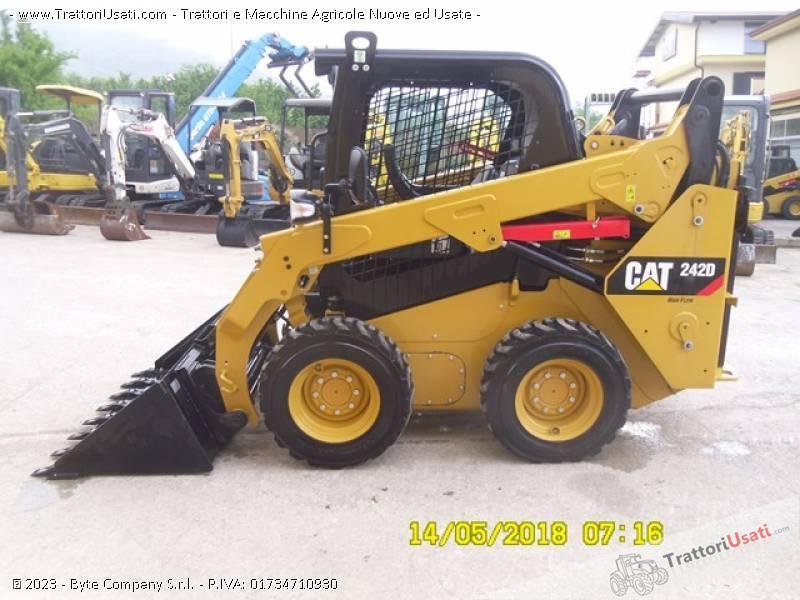 Pala  - 242d caterpillar 0