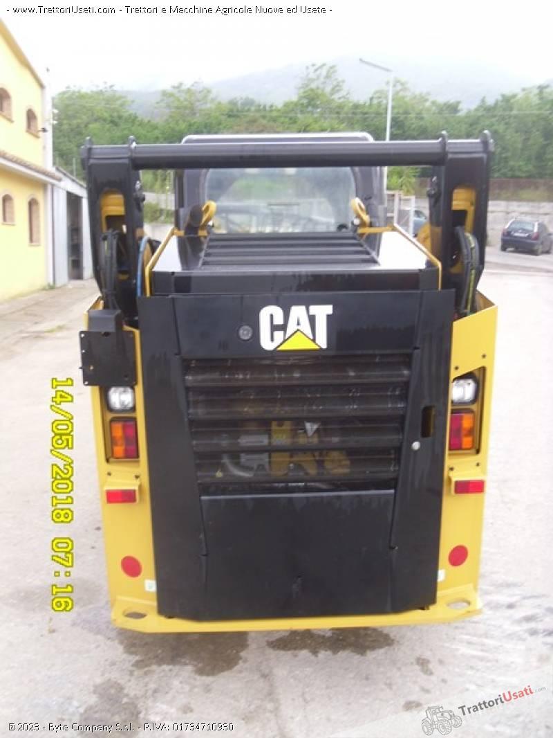 Pala  - 242d caterpillar 4