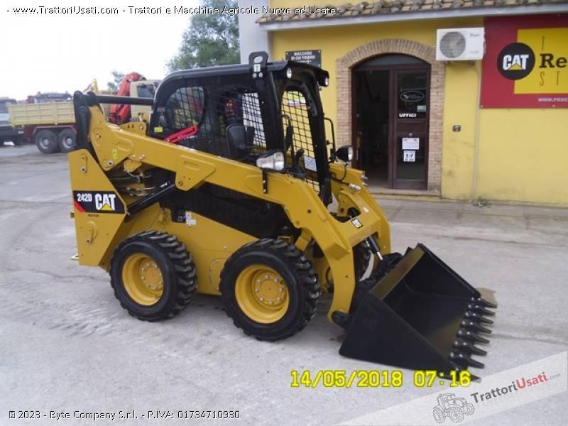 Pala  - 242d caterpillar 6