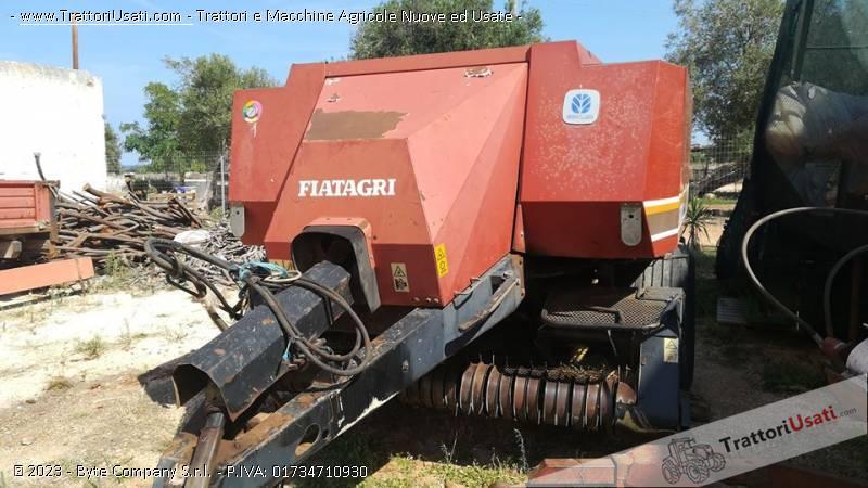 Pressaforaggi new holland - fiatagri 4820s 1