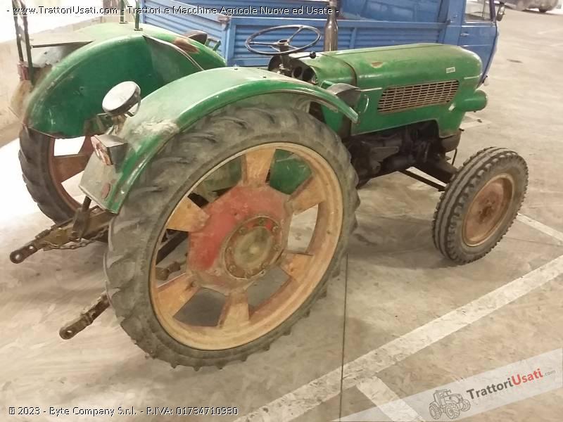 Trattore d'epoca fendt - farmer 2 4