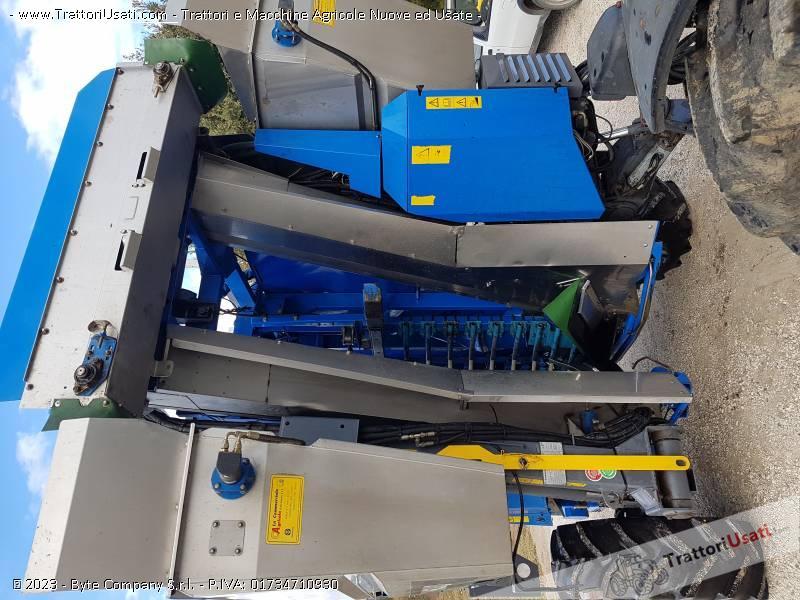 Vendemmiatrice new holland - tb 15 braud 1