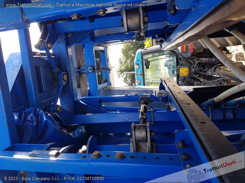 Vendemmiatrice new holland - tb 15 braud 4