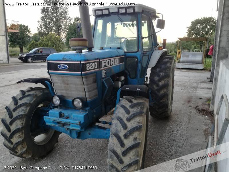 Trattore ford - 8210 2