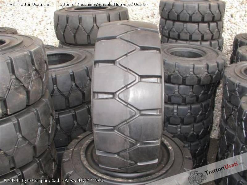 Pneumatico pieno  - carrelli elevatori krk metallurgik 2