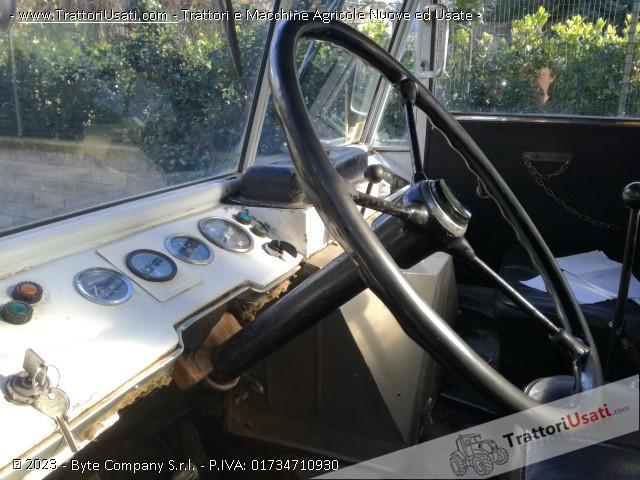 Unimog mercedes - 411 3