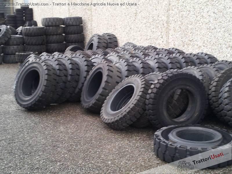 Pneumatico  - pieno per carrelli elevatori krk metallurgik 0