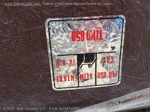 Vari contenitori  - vetroresina 4