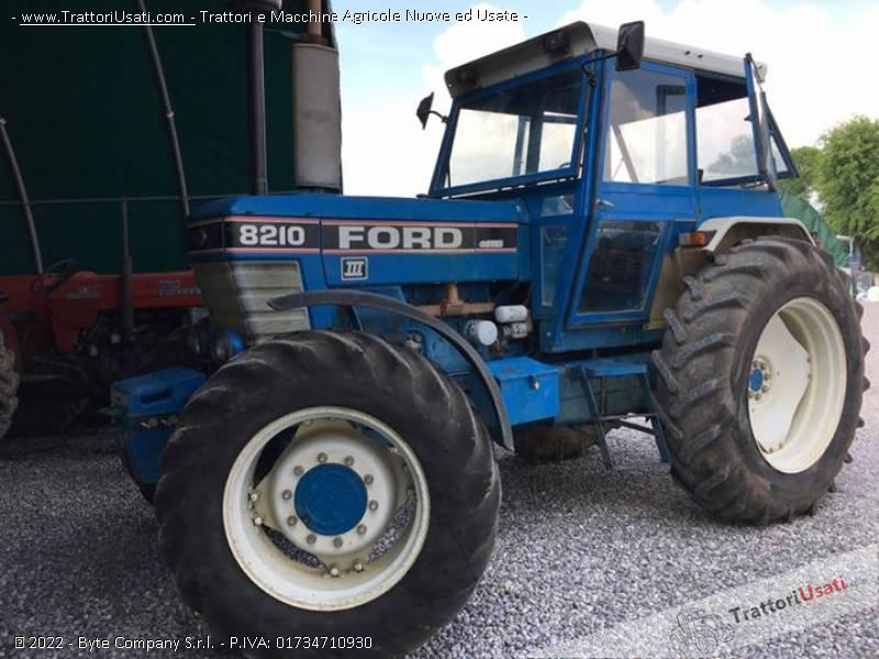 Trattore ford - 8210 0