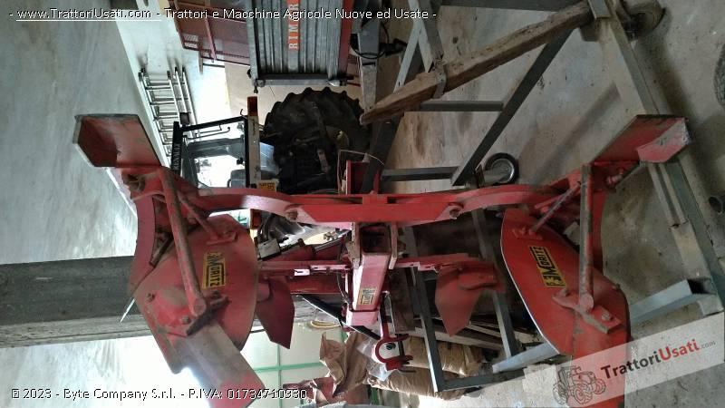 Trattore renault - rm 65-34 con altri macchinari 5