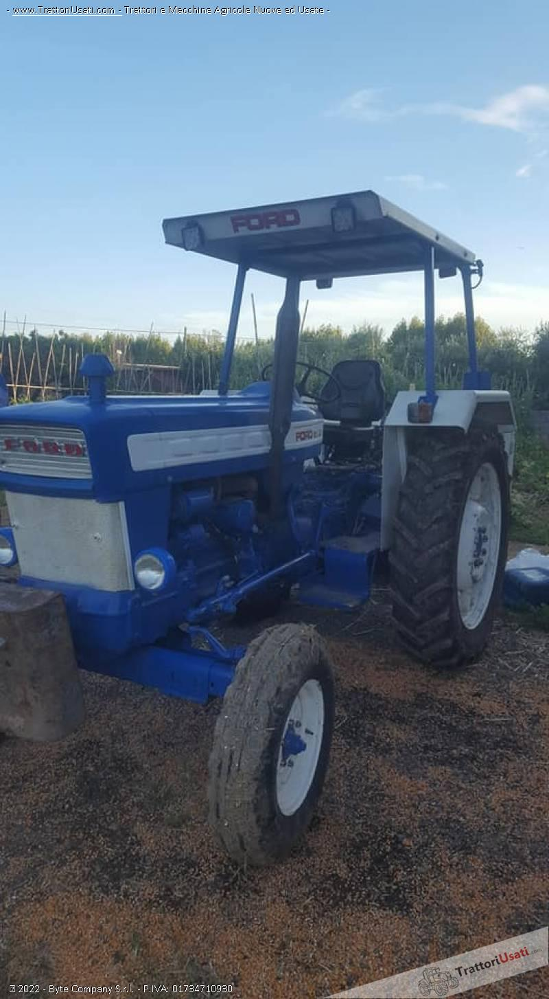 Trattore ford - 5000 1