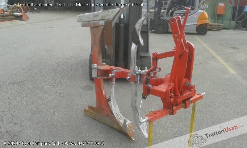 Aratro  - monovomere voltaorecchio meccanico 0