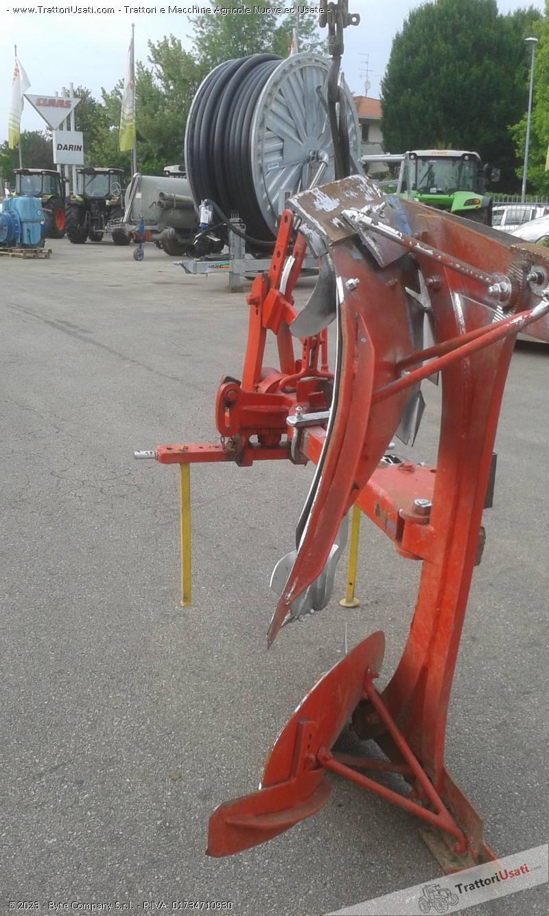Aratro  - monovomere voltaorecchio meccanico 2