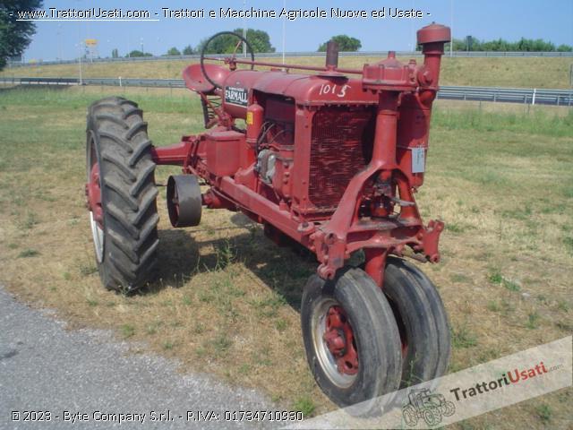Trattore d'epoca mccormick - farmall f20 1