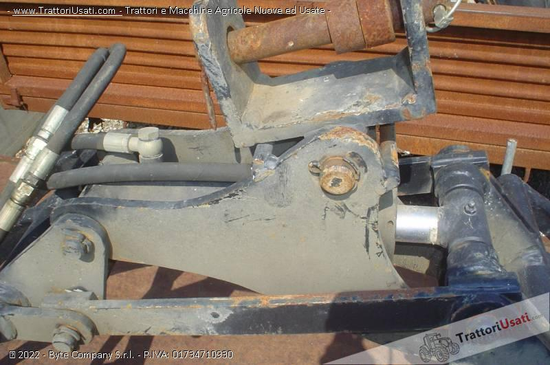 Pinza per tronchi  - per escavatore artigianale 2